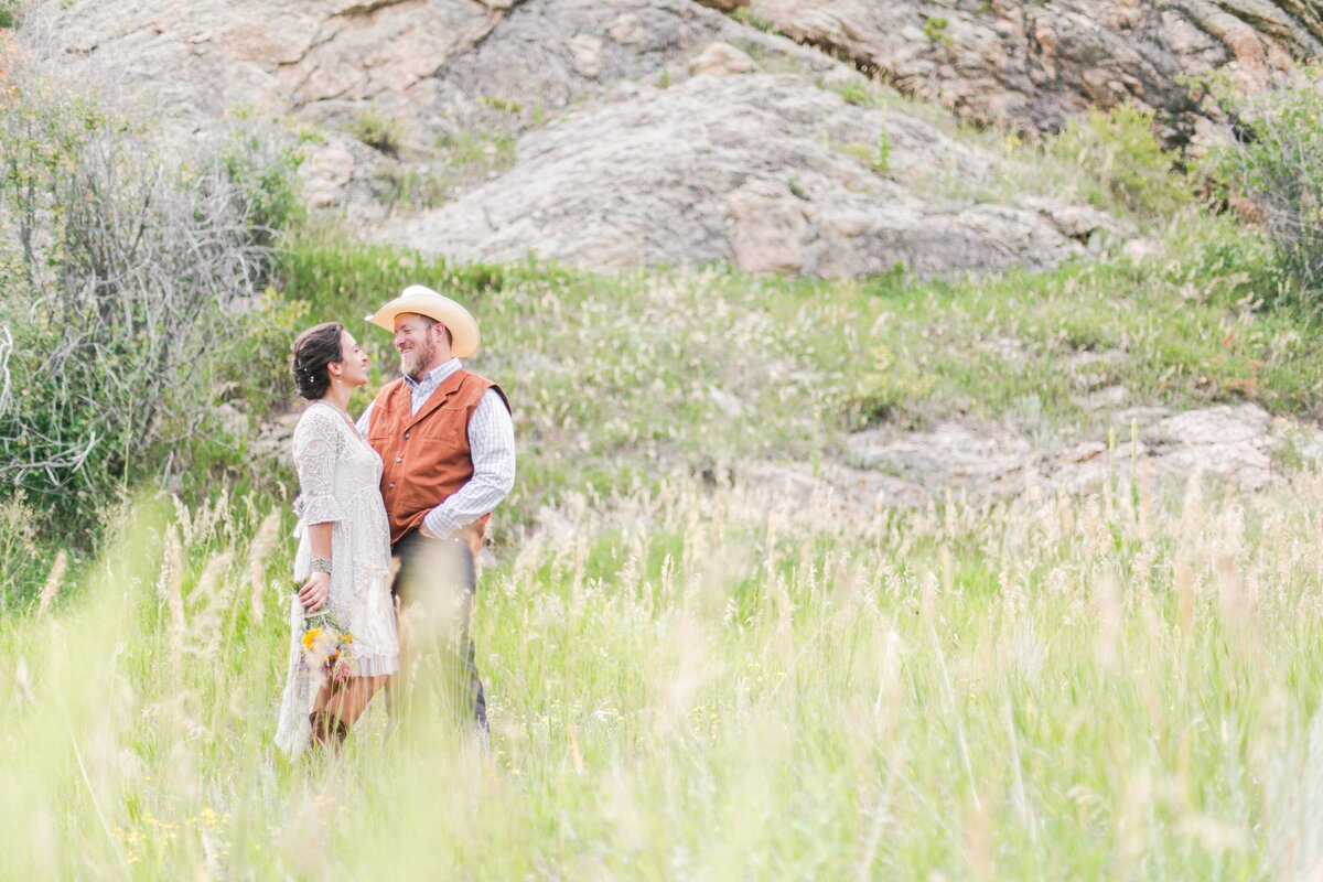 red-barn-golden-gate-canyon-colorado-rustic-wedding-mountains-farm-rocky-mountain-bride-0023