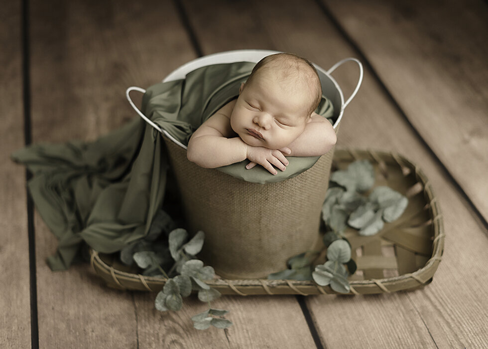 Jacksonville_Newborn_Baby_Photographer_Best_Studio_Lifestyle01 copy