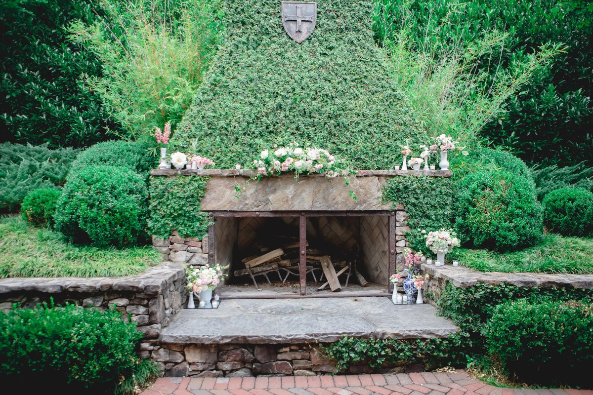 windwood_weddings_outdoor_venue_farm_bride76