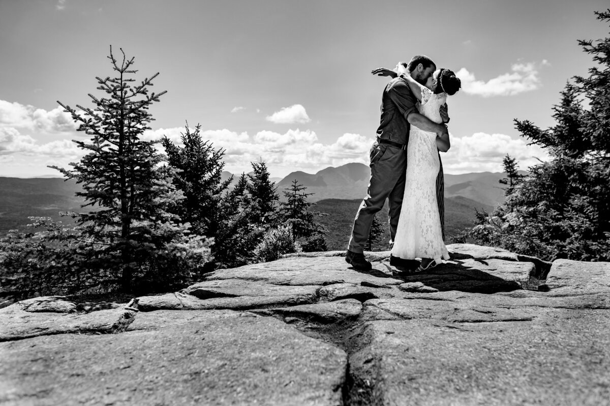 Mountain-elopements-vermont-elopement-photographer-andy-madea-photography