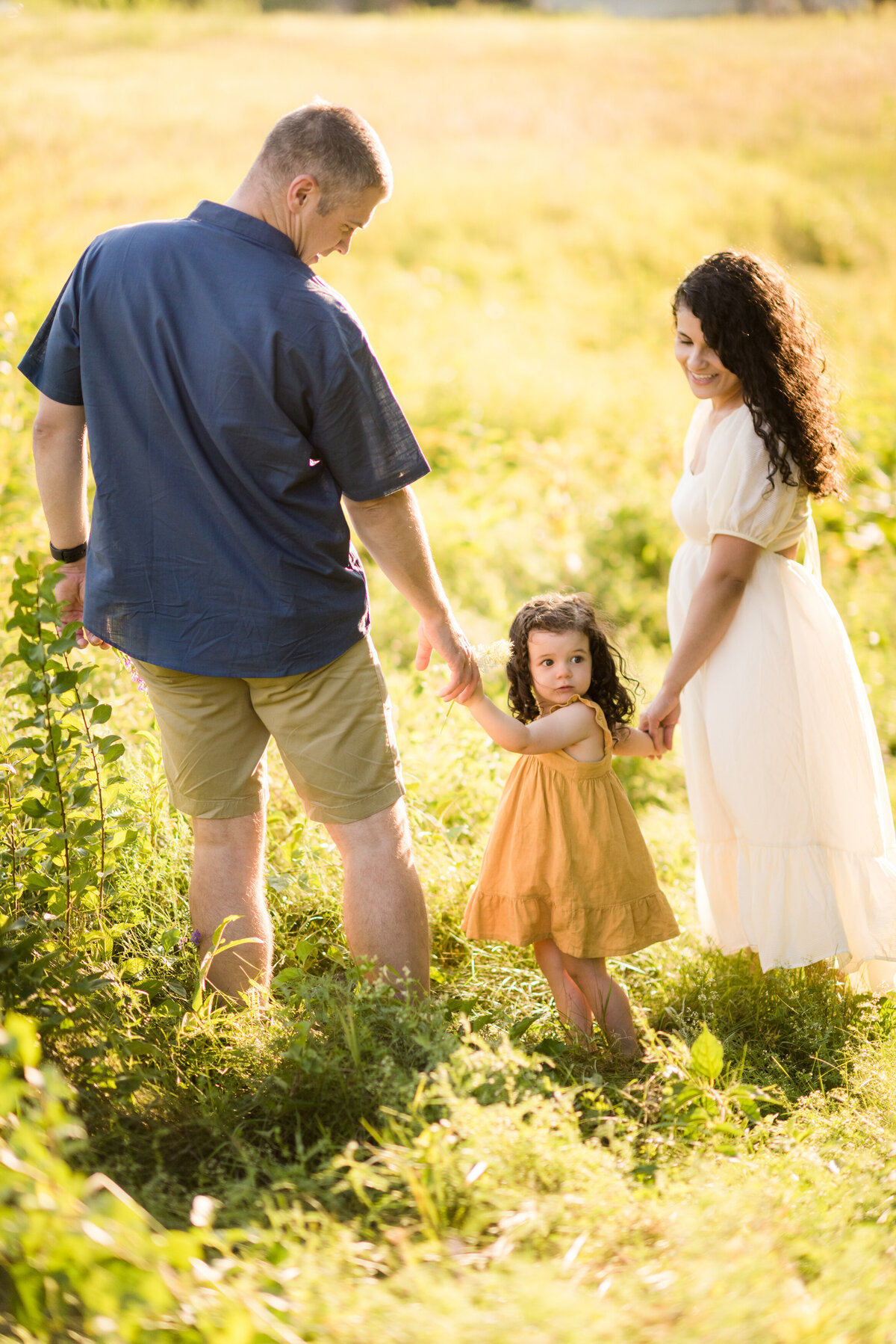 Boston-family-photographer-bella-wang-photography-Lifestyle-session-outdoor-wildflower-26