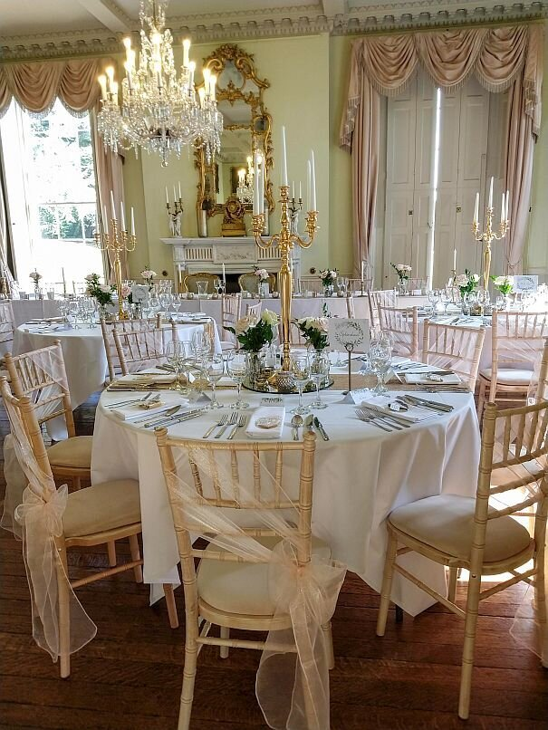 Blush and gold candelabra wedding (1)