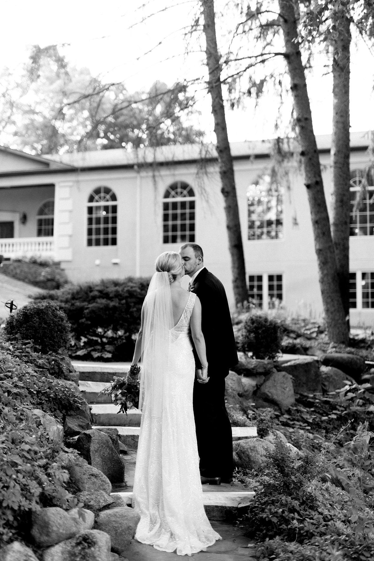 Julie-Barry-English-Inn-Summer-Garden-Wedding-Michigan-Breanne-Rochelle-Photography90