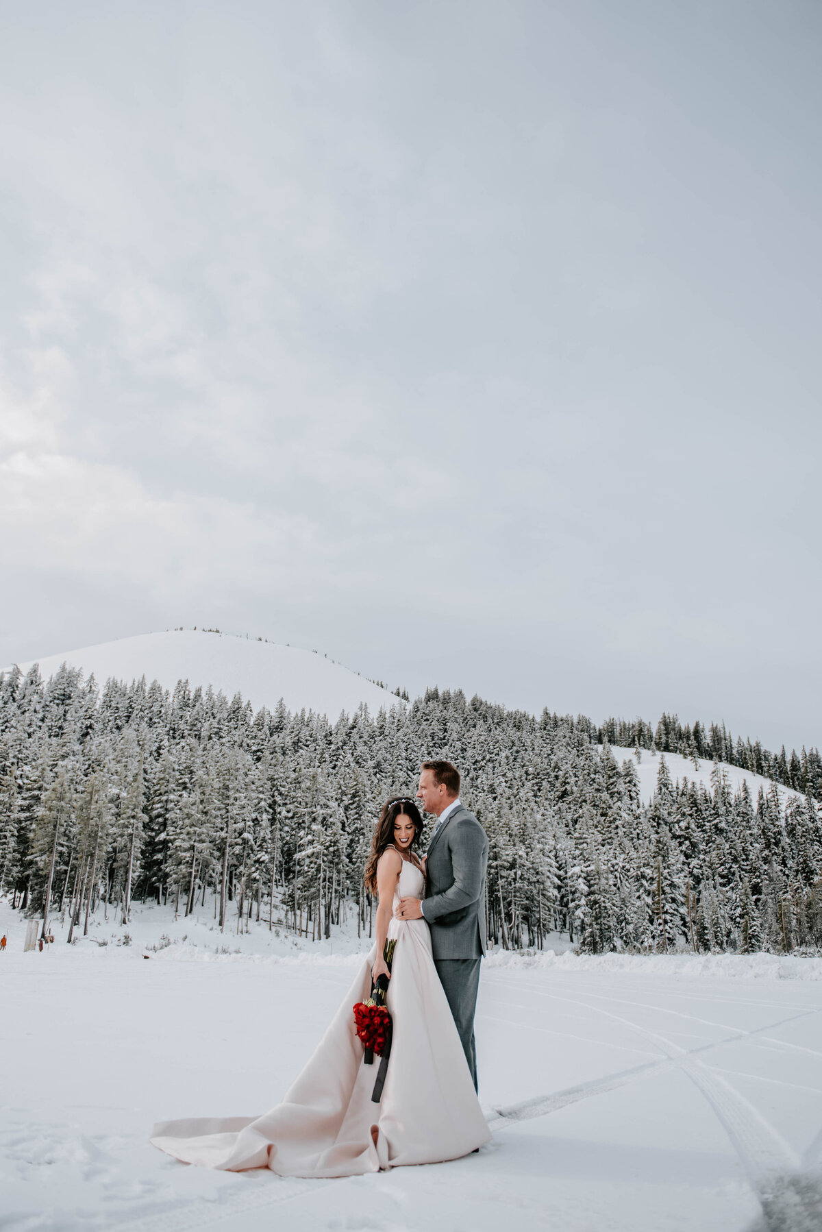 mt-bachelor-snow-winter-elopement-bend-oregon-wedding-photographer-2158