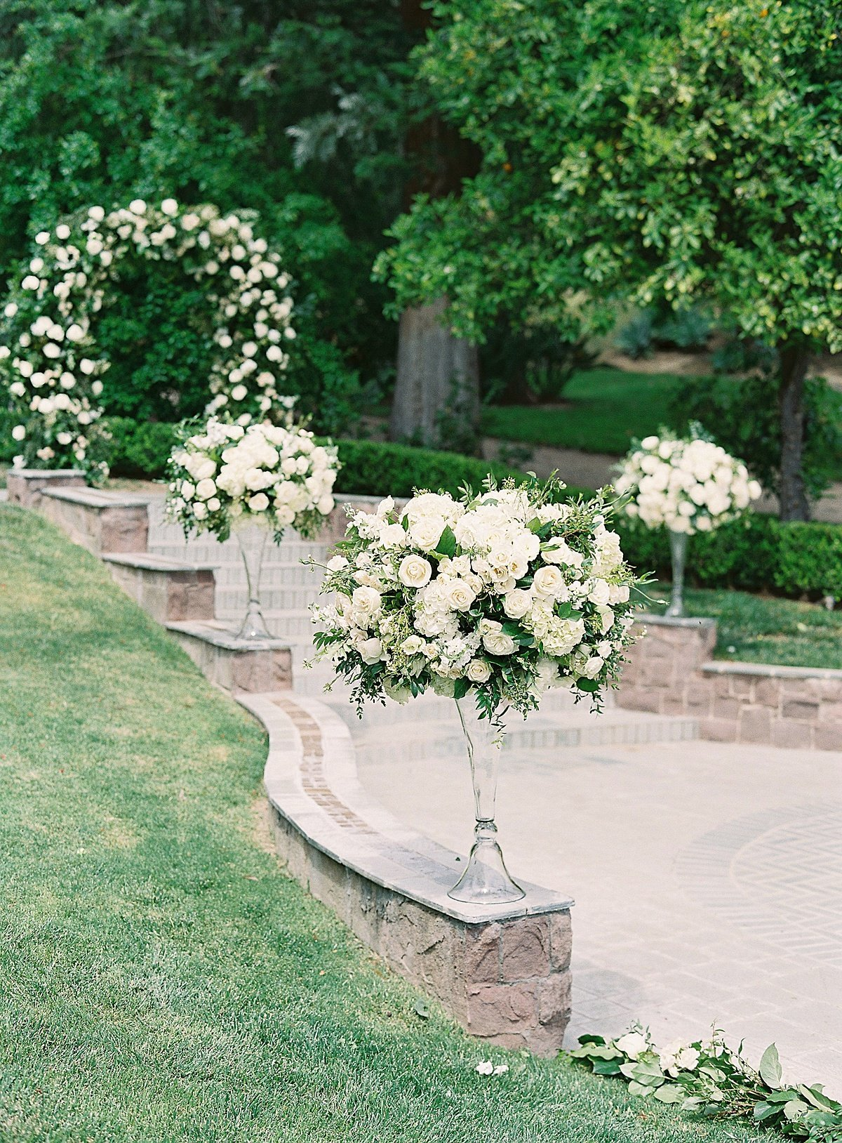 Posh Peony Newhall Mansion Piru Lush White Floral and Greenery Wedding_0012