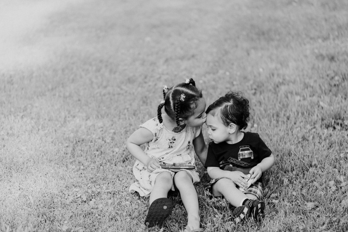grand rapids family photographer http---www.chrystinmelaniephotography.com (4 of 4)