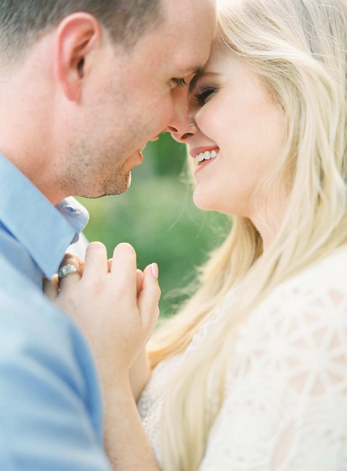 Napl-Florida-Engagement-film-photogrpaher-koreshan-state-park-25