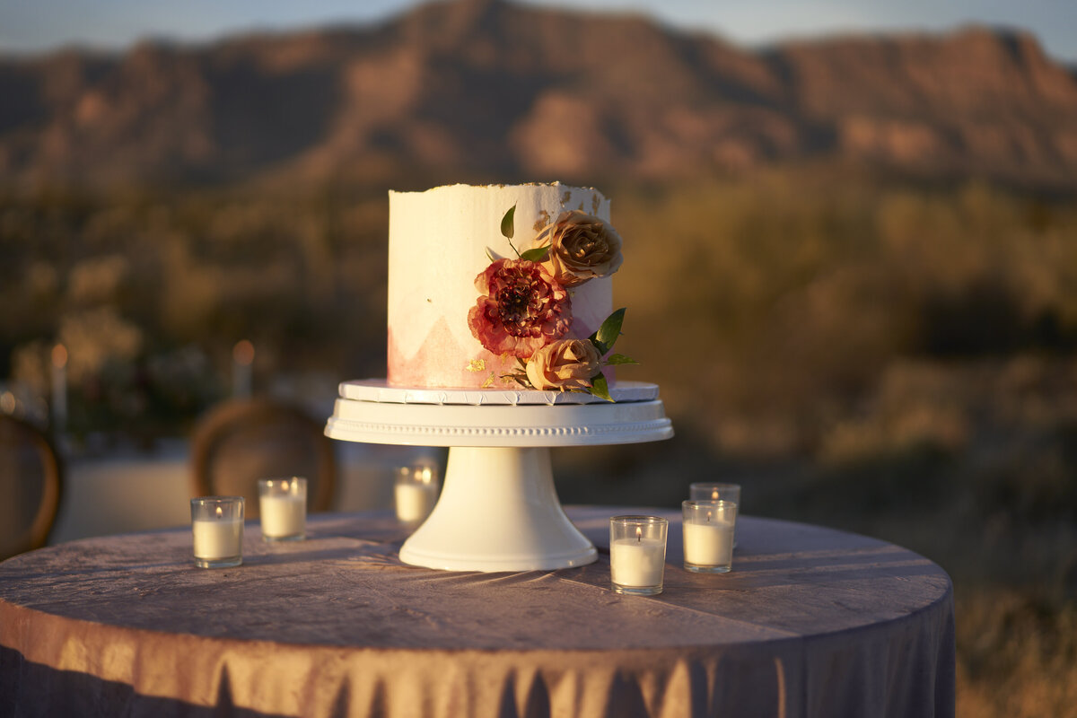 wedding cake in the desert
