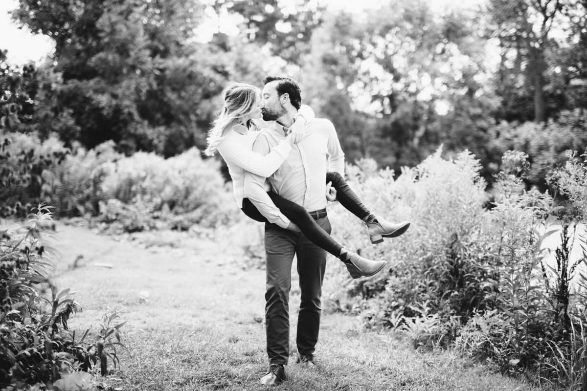 Loring-Social-Minneapolis-Fall-Engagement-20