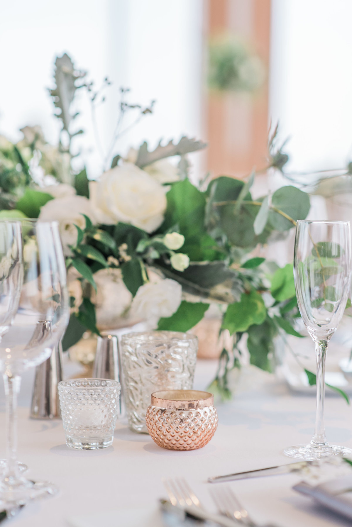 0029_Sage_Designs_at_Westin_22_White_florals_and_fresh_greens___Photography_by_Emma