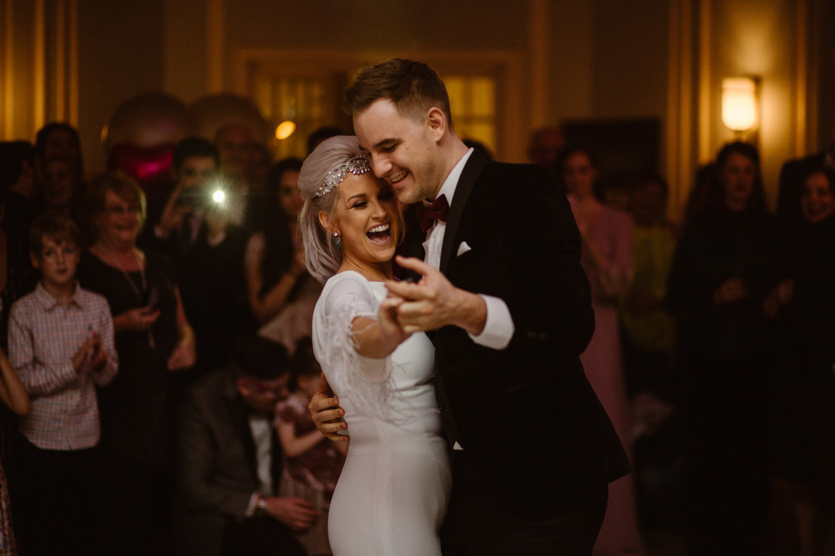 Bride & Groom's first dance by Wedding Photographer Jono Symonds