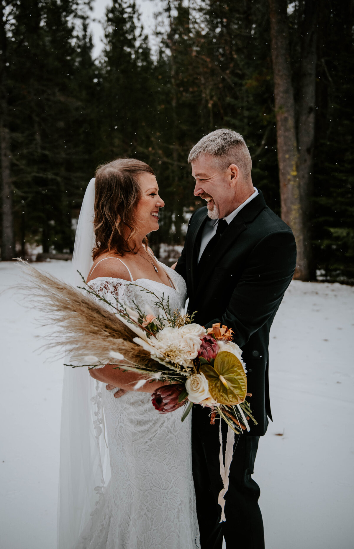 suttle-lake-sisters-oregon-lodge-woods-vow-renewal-photographer-wedding-elopement-2715