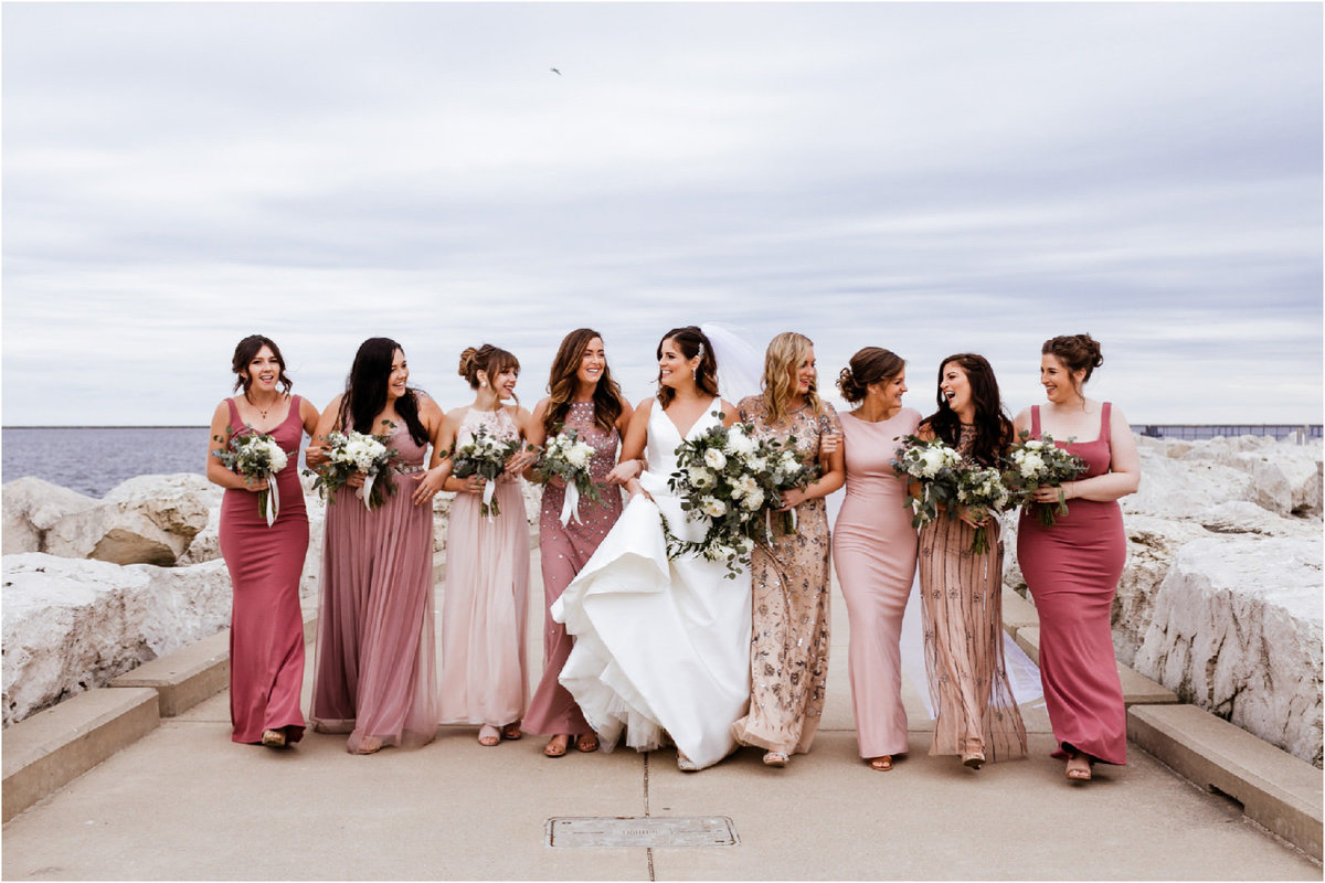 Milwaukee-Wedding-Photographer-Bridesmaids