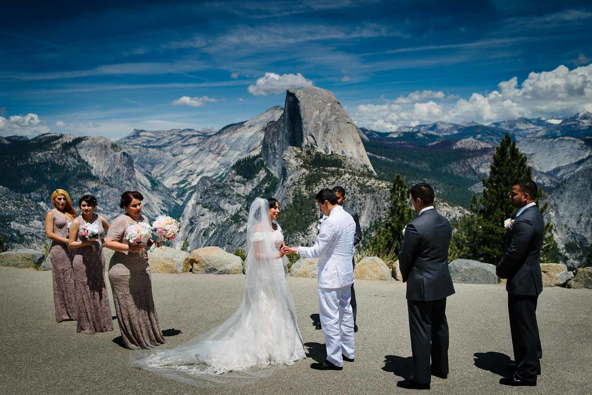 wedding ceremony at glacier point in yosemite national park by stephane lemaire photography