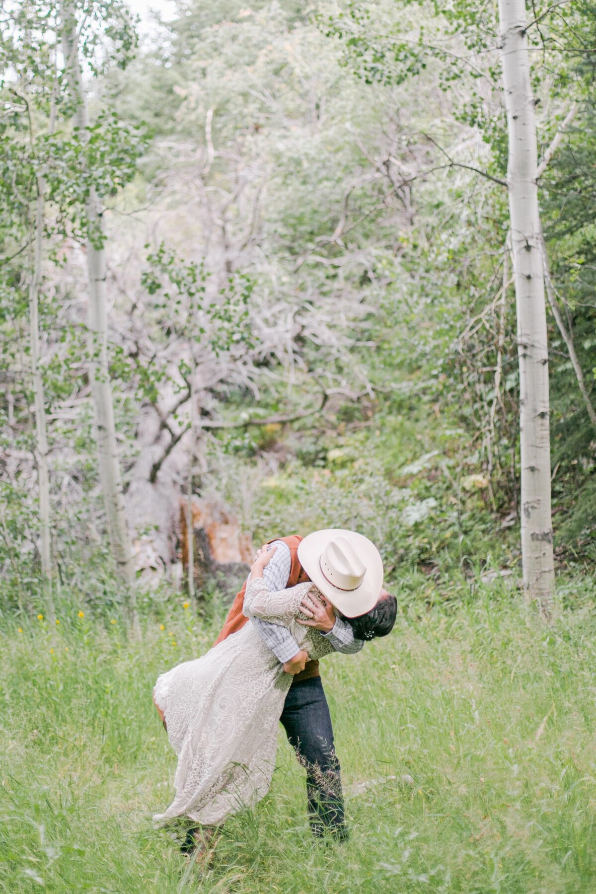 red-barn-golden-gate-canyon-colorado-rustic-wedding-mountains-farm-rocky-mountain-bride-0020