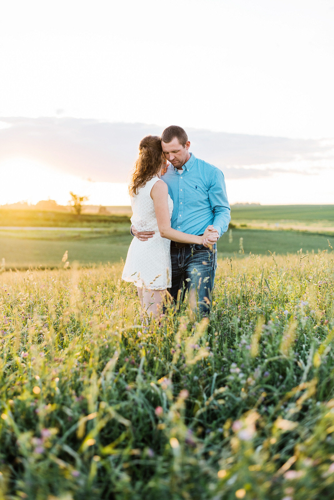 NIcole Corrine Dance in a field engagement session