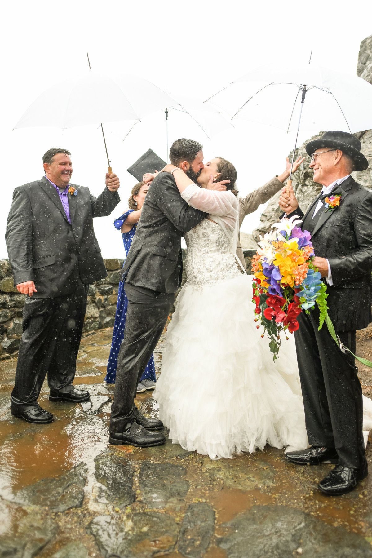 Redway-California-wedding-photographer-Parky's-Pics-Photography-Humboldt-County-Photographer-wedding-rock-rainy-day-wedding-trinidad-ca-4.jpg