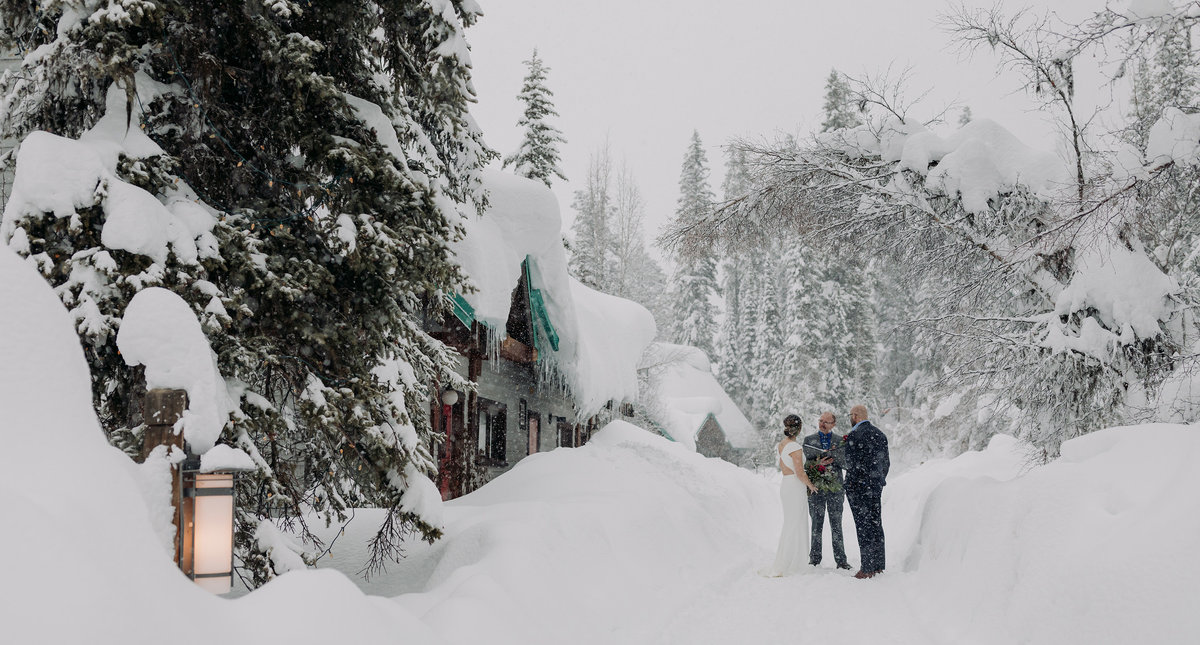 emerald lake lodge snowy winter elopement