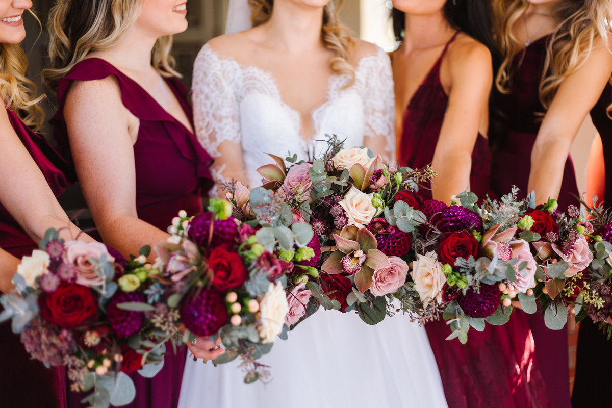 fall-bridesmaids-bouquets-the-villa