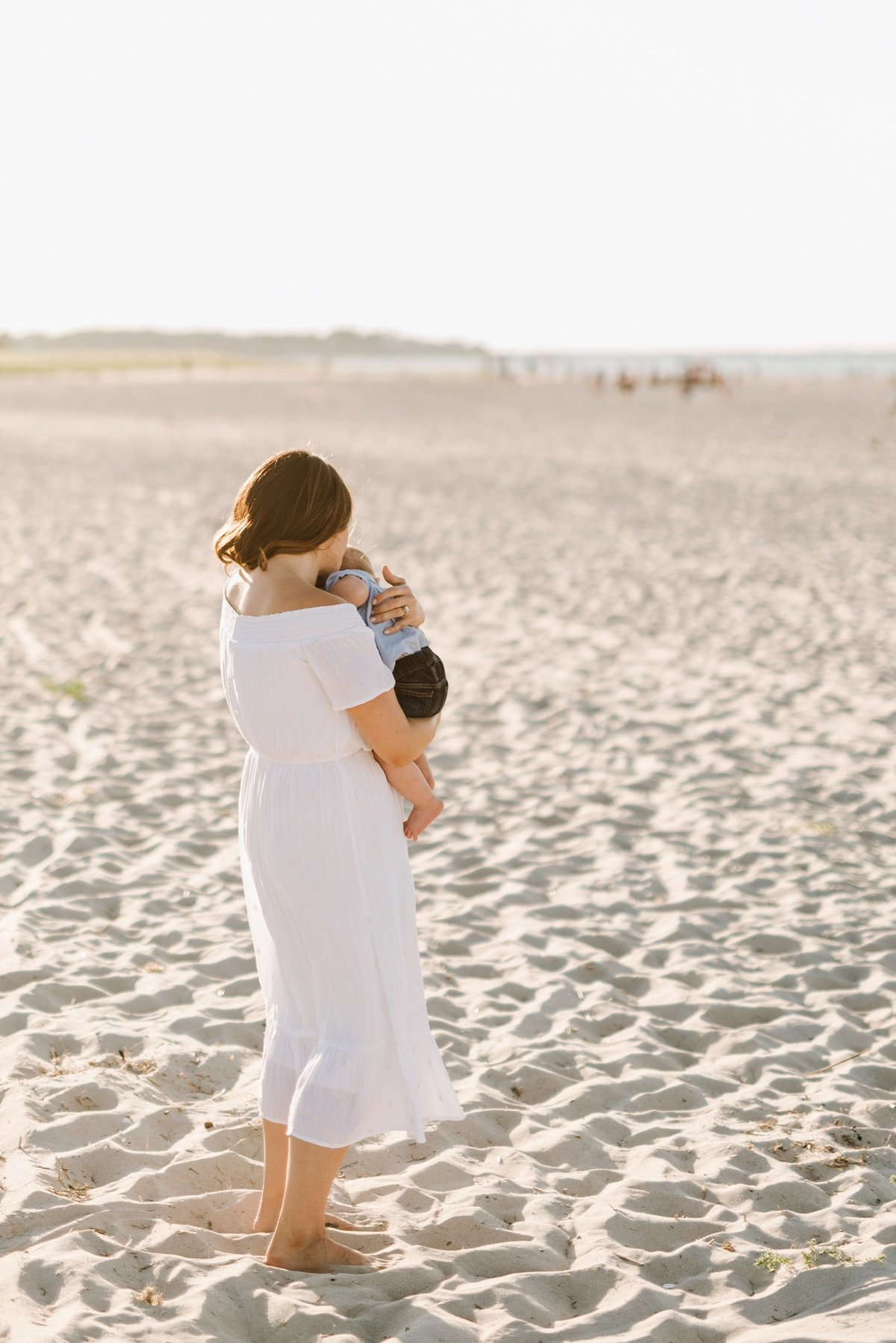 crane-beach-family-session-boston-lifestyle-newborn-photographer-photo_0008