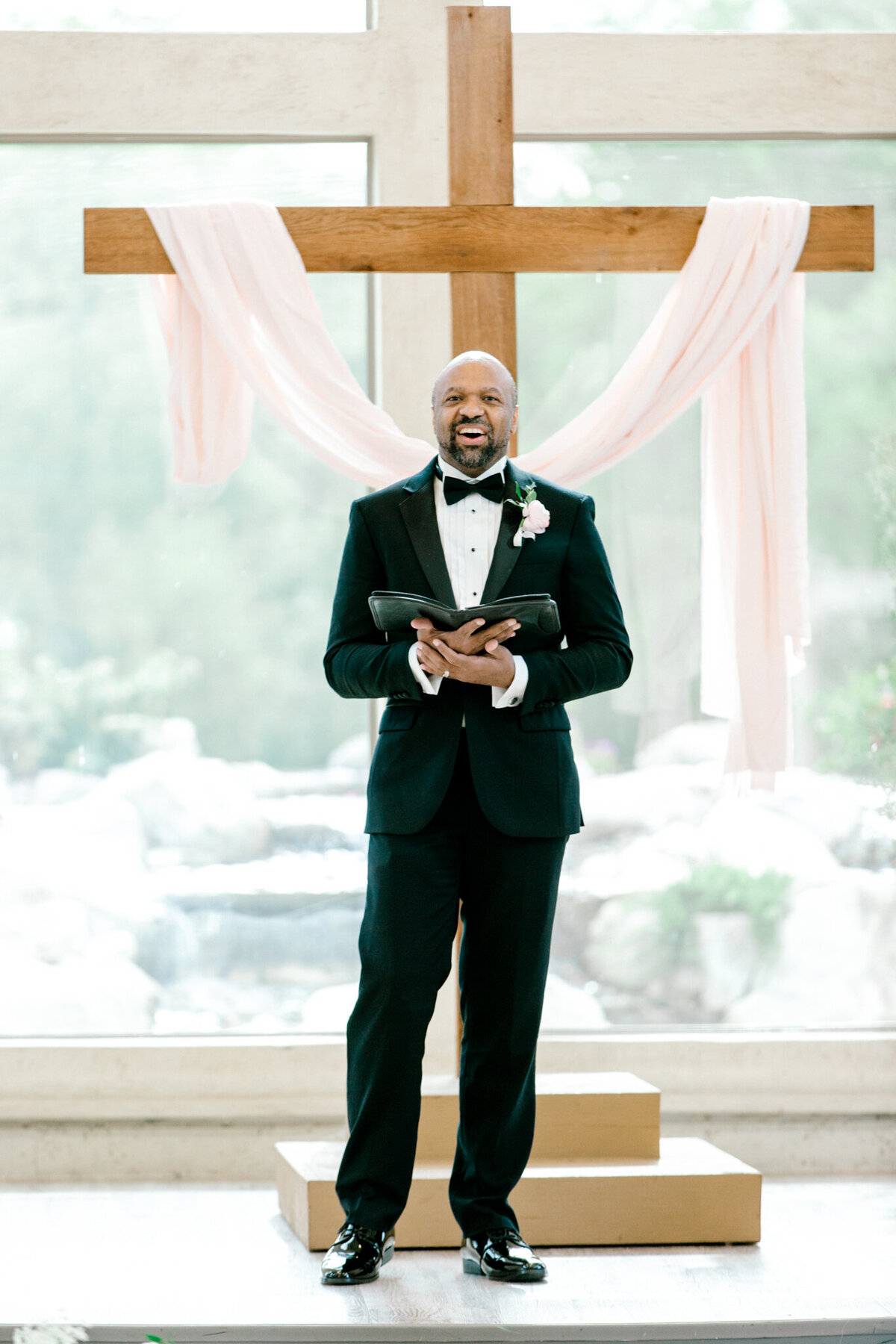 Jasmine & Josh Wedding at Knotting Hill Place | Dallas DFW Wedding Photographer | Sami Kathryn Photography-67