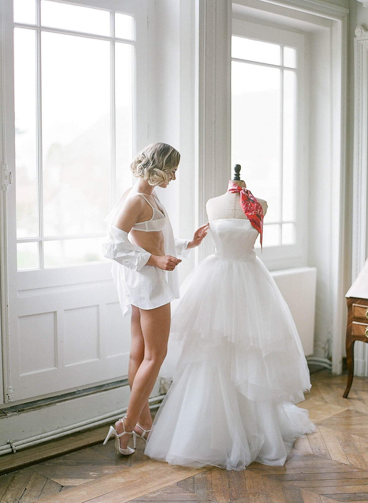 chateau-de-varennes-boudoir-wedding-couple-13
