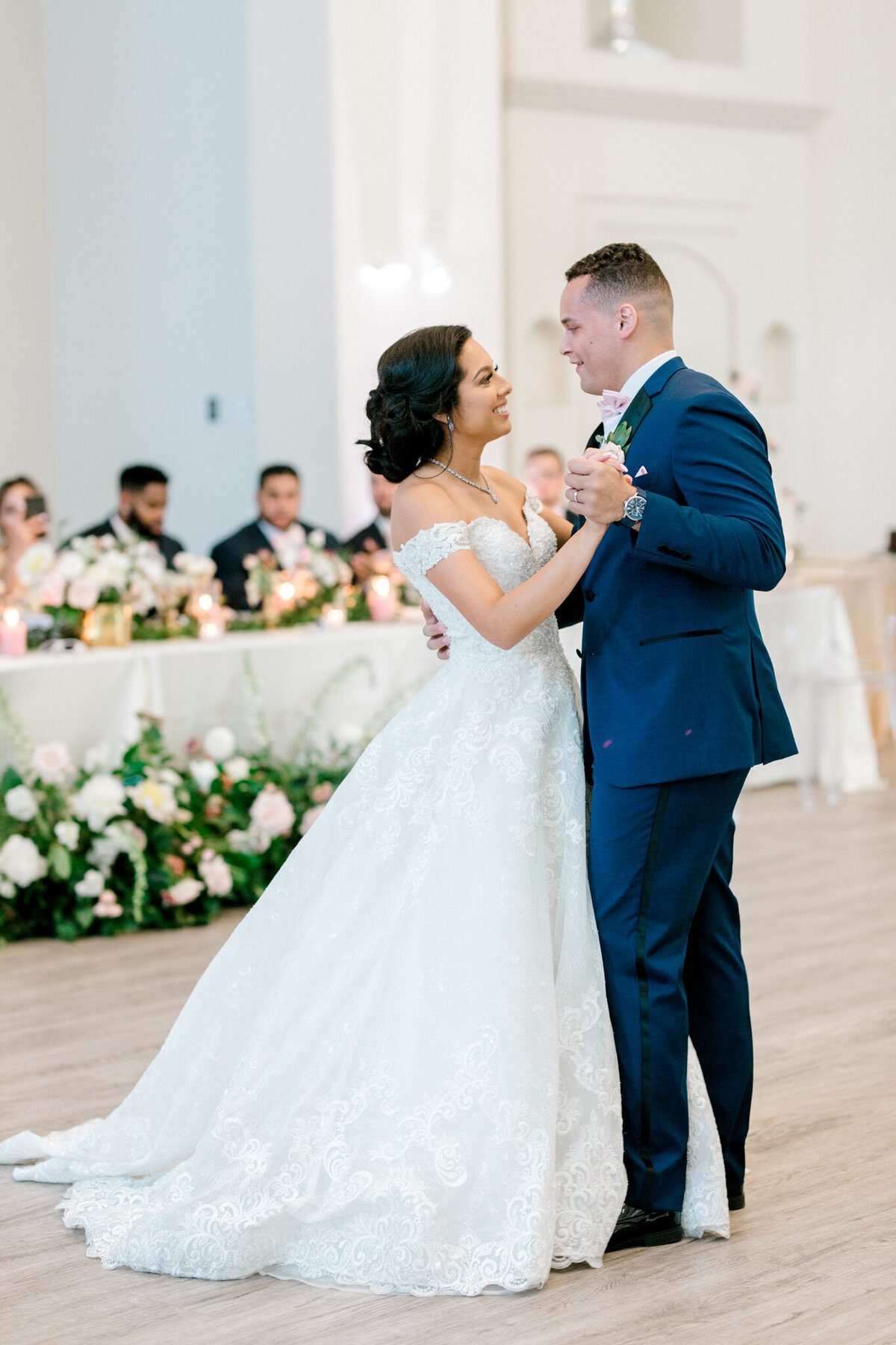 Jasmine & Josh Wedding at Knotting Hill Place | Dallas DFW Wedding Photographer | Sami Kathryn Photography-145