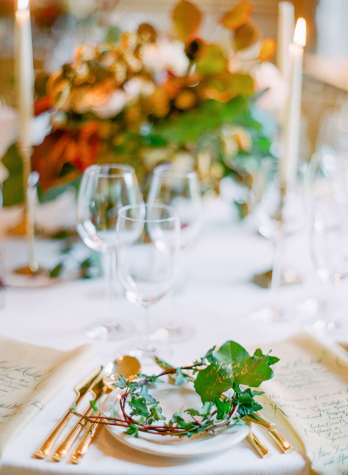 28-KTMerry-destination-weddings-Ireland-table-setting