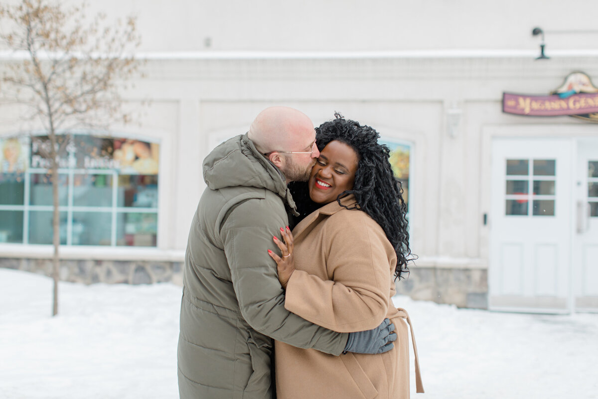 tremblant-winter-mountainside-engagement-session-grey-loft-studio-tremblant-village-5