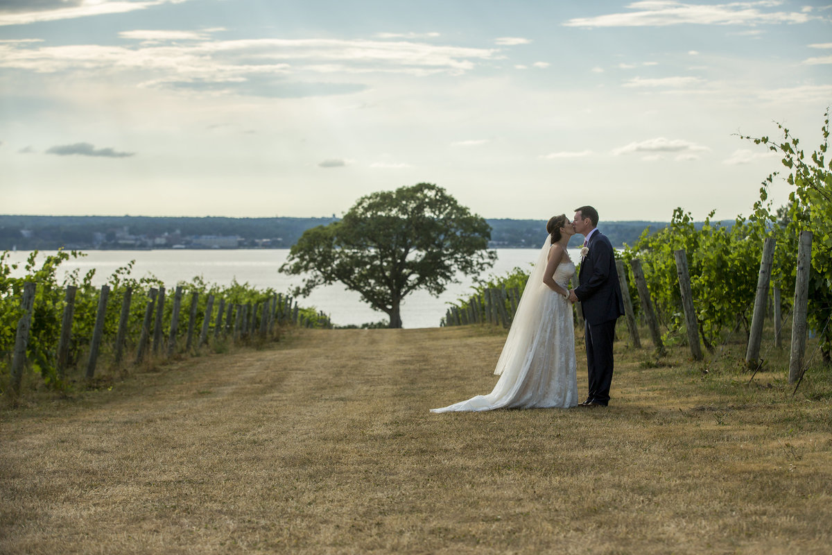 WeddingPhotographyFingerlakes_35