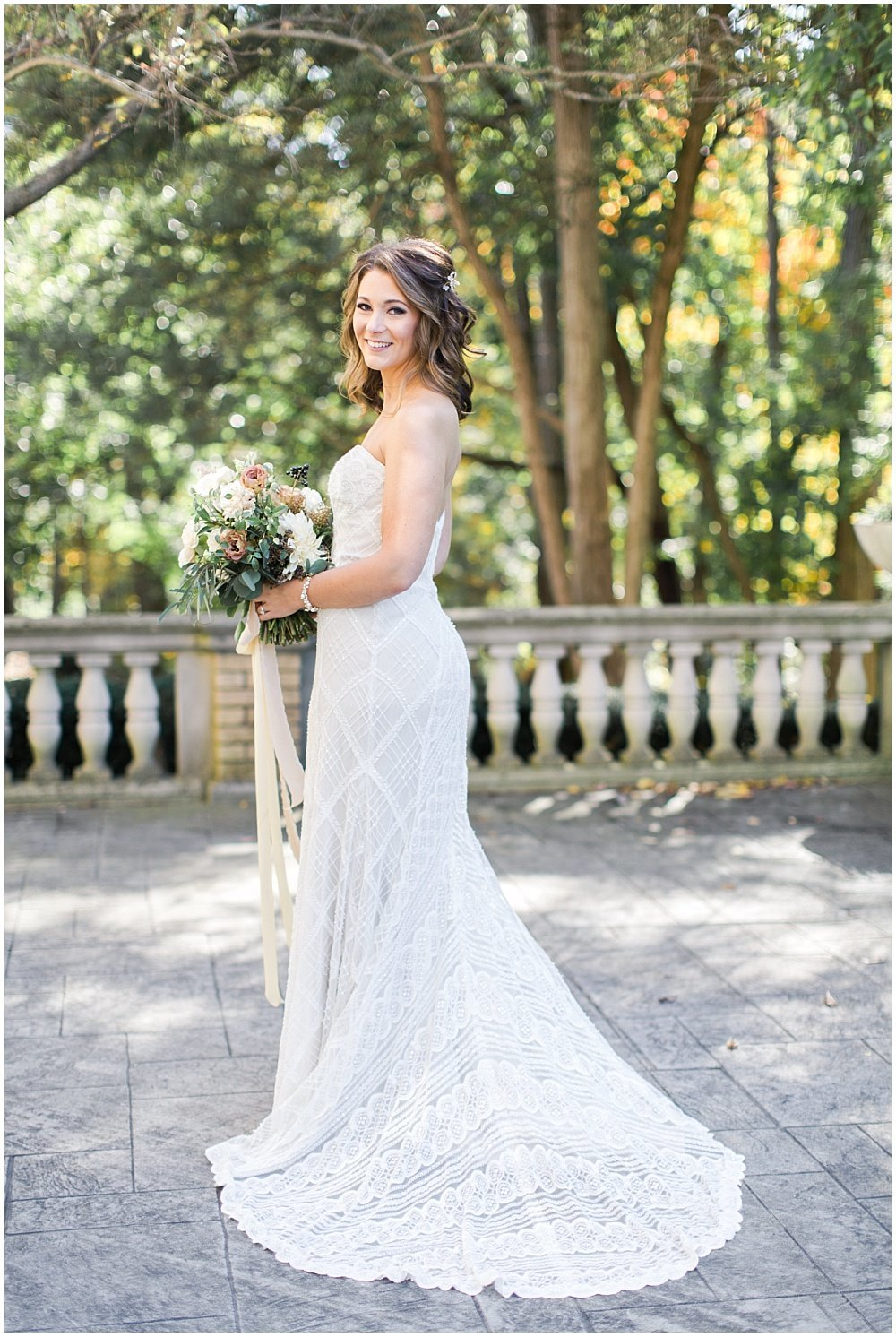 Laurel-Hall-Fall-Navy-Wedding-Ivan-Louise-Images-Jessica-Dum-Wedding-Coordination_photo_0014