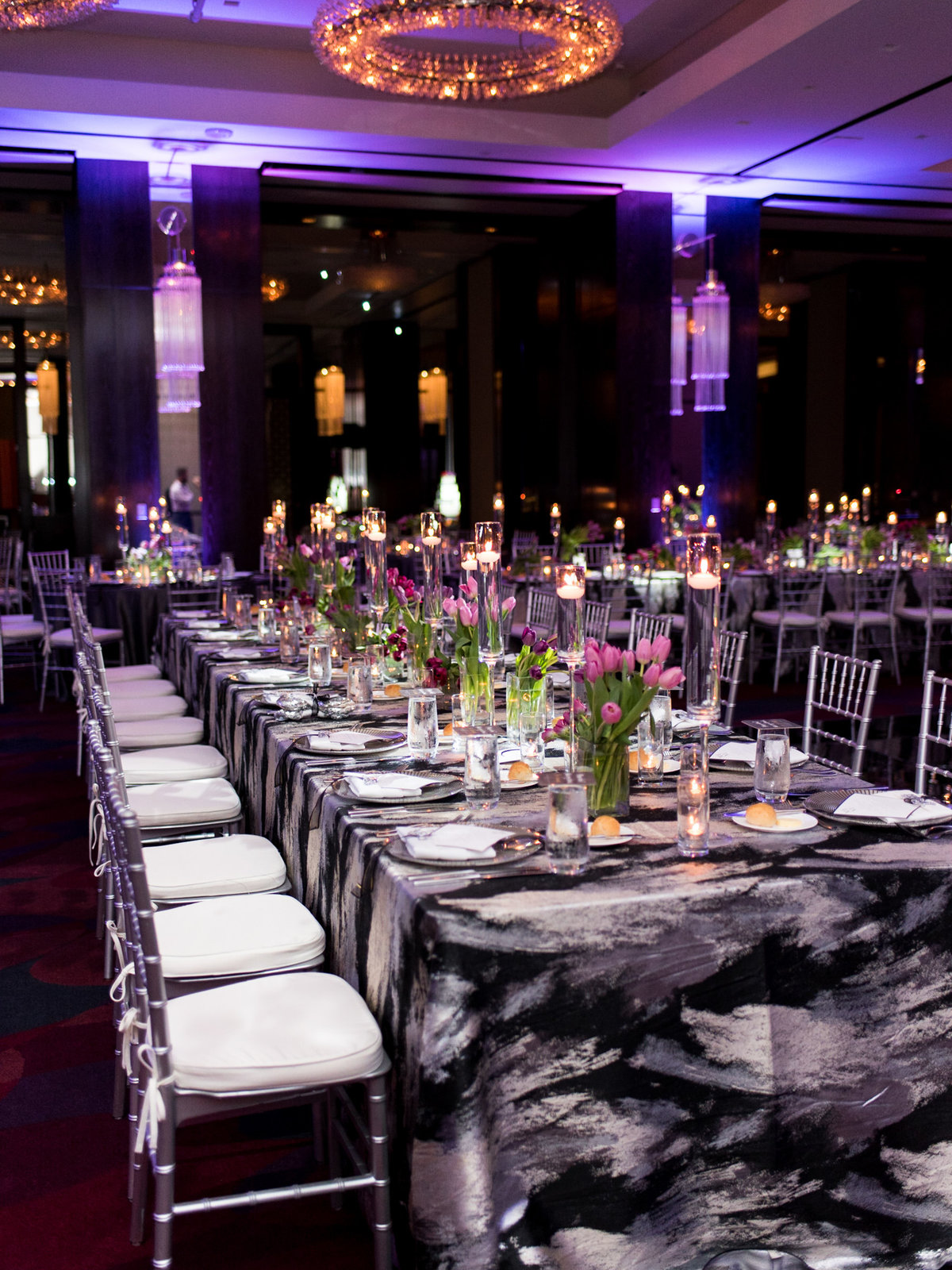Courtney Hanson Photography - Modern wedding at The Joule-2895