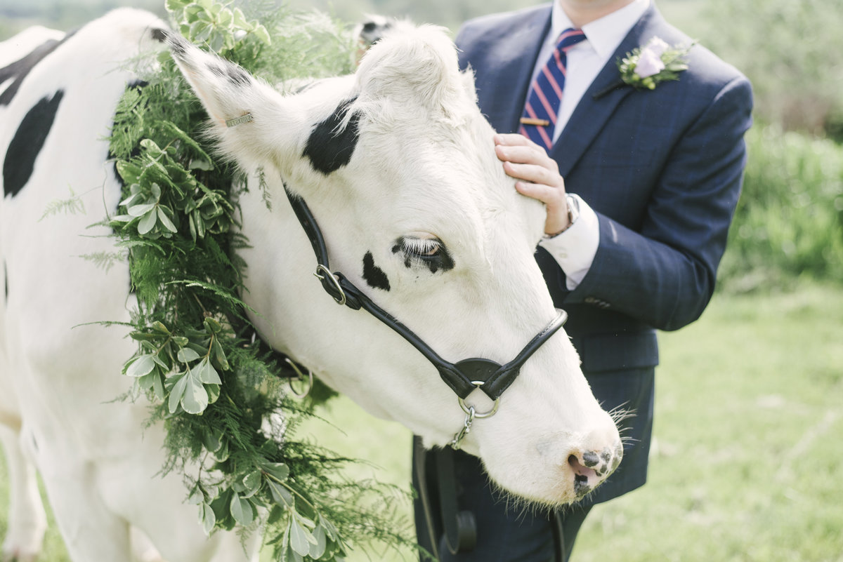 Monica-Relyea-Events-Alicia-King-Photography-Globe-Hill-Ronnybrook-Farm-Hudson-Valley-wedding-shoot-inspiration16