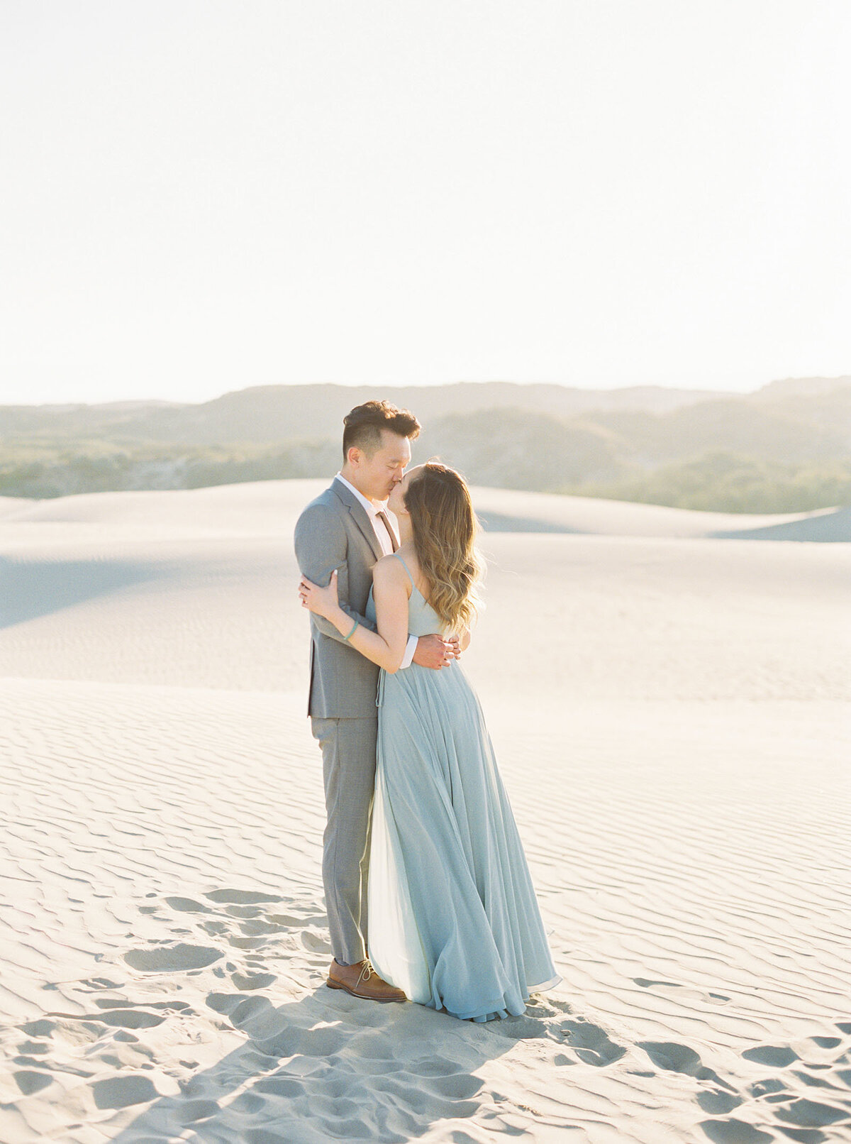 sand-dune-engagement-photos-18
