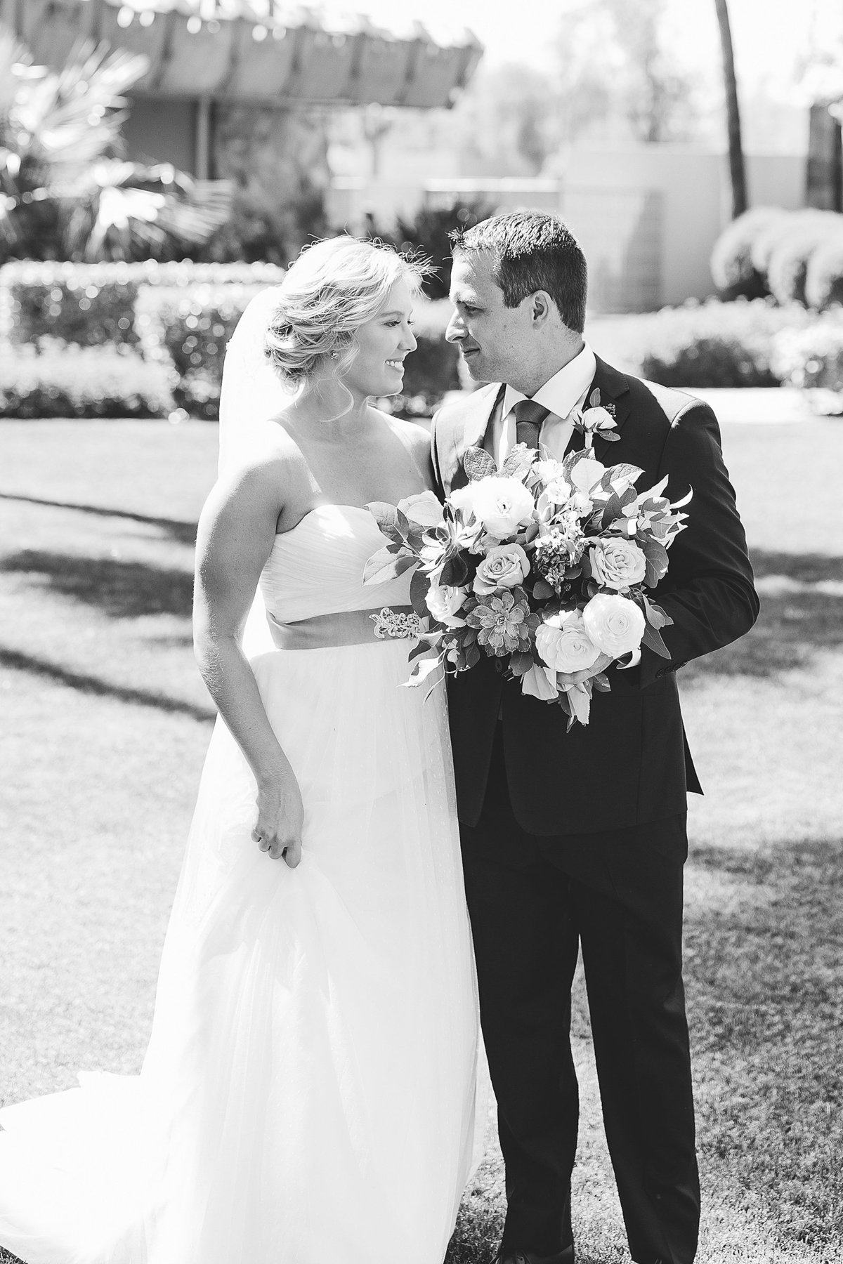 Liz + Mike - Hotel Valley Ho Wedding - Lunabear Studios - Bright and Airy Wedding Photography_0077