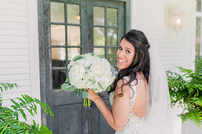 Chandelier-of-Gruene-Wedding-Review-Mobile