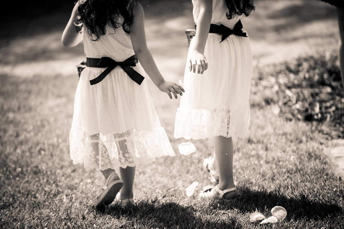 0247-kids-playing-at-wedding-southern-CA