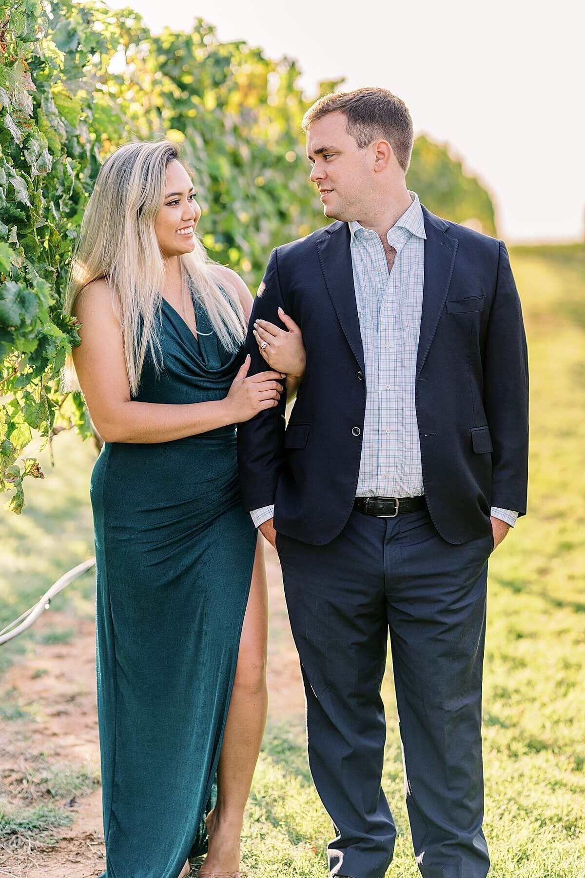 Texas-Hill-Country-Vineyard-Engagement-Portrait-Session-Alicia-Yarrish-Photography_0031