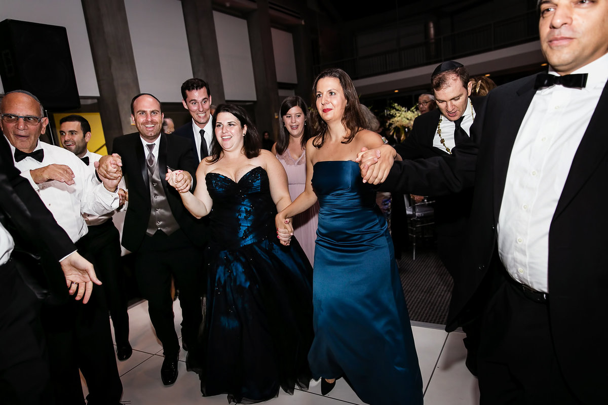 237-skirball-cultural-center-wedding-photos-rebecca-ben
