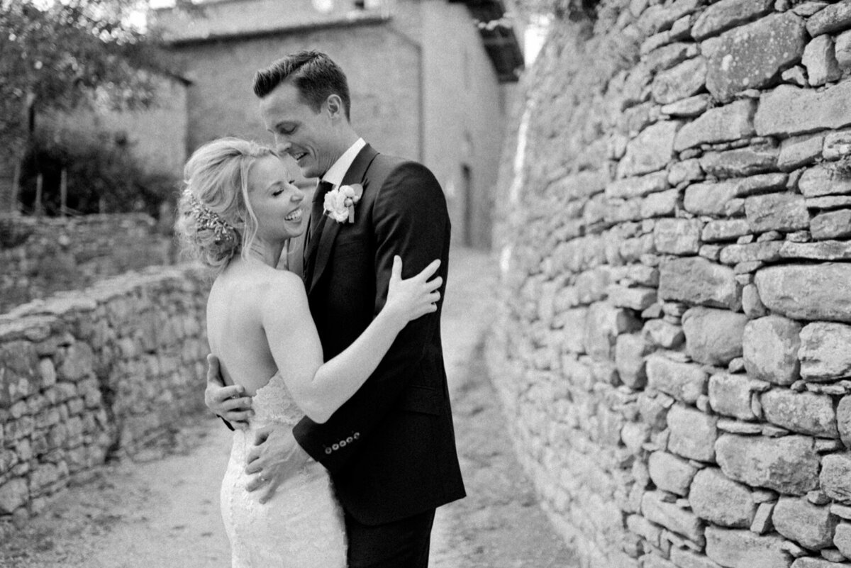 107_Tuscany_Luxury_Wedding_Photographer (117 von 215)_So thankful to be a luxury destination wedding photographer in Tuscany! Claire and James invited their beloved family & friends from London to their luxury wedding in Tuscany.