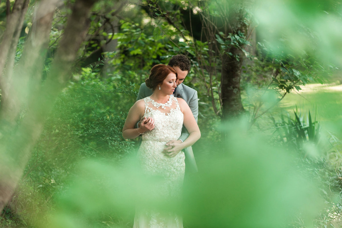 cedar hall garden wedding photo