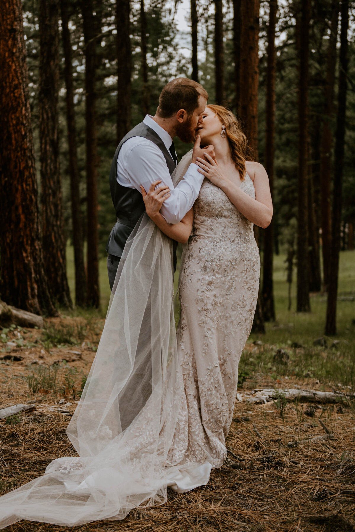 ochoco-forest-central-oregon-elopement-pnw-woods-wedding-covid-bend-photographer-inspiration1665