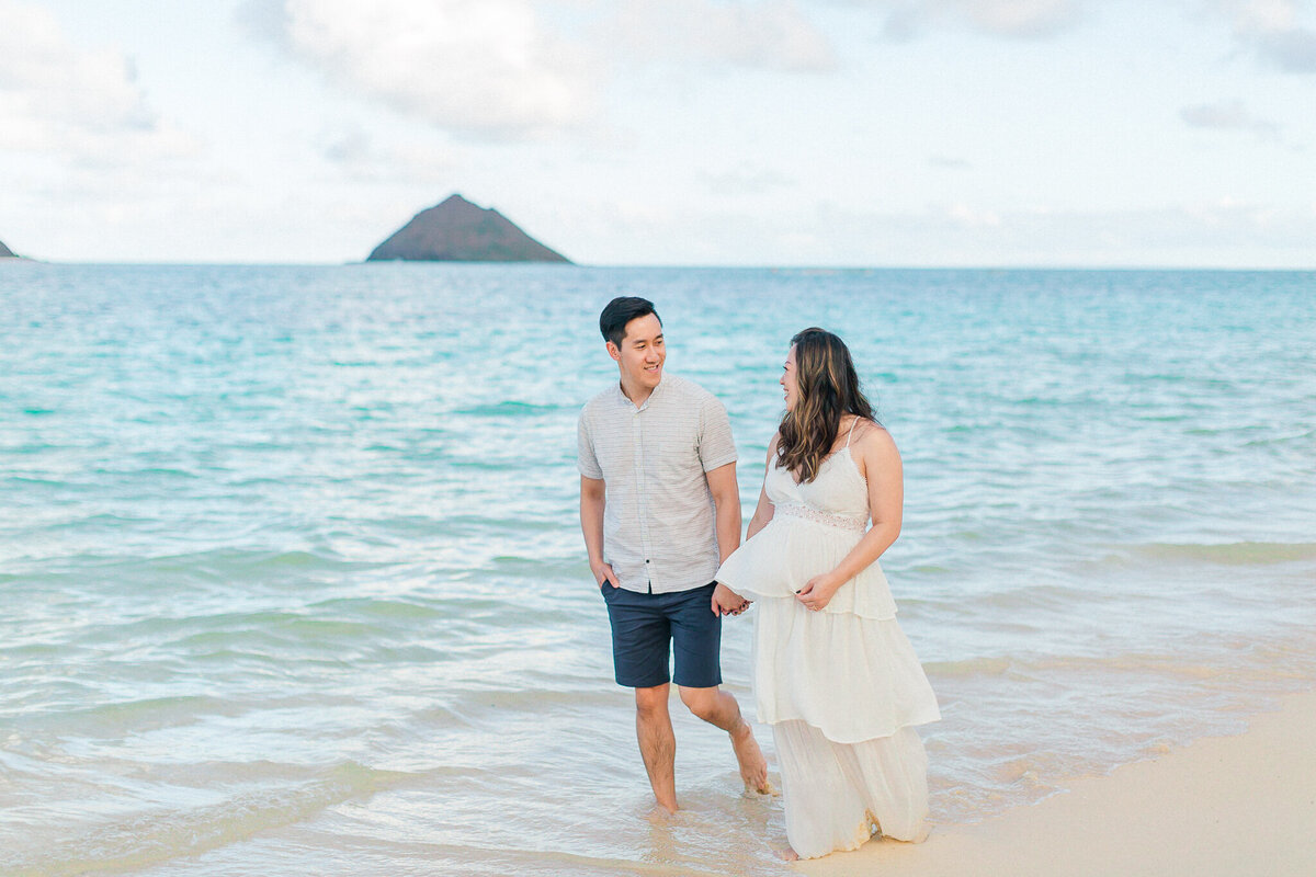 Blog-lanikai beach maternity session by hawaii maternity photographer veronica ilioi photography-0018