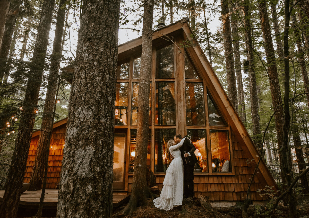 mount-hood-mountain-cabin-woods-elopement-forest-oregon-pnw-wedding-photographer9773