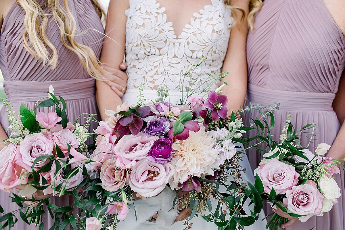 Bridal bouquets at Casino San Clemente wedding