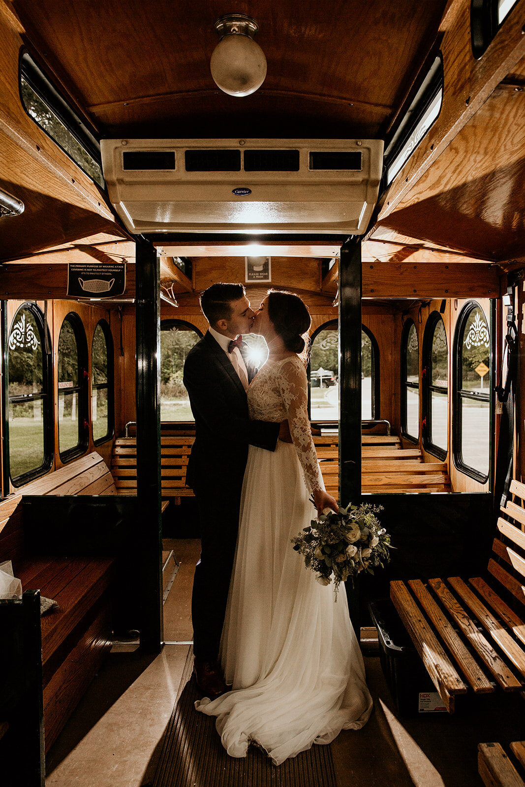 chicago-trolley-wedding-034