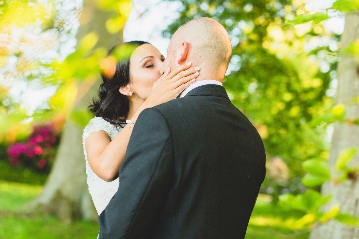 rudding park wedding photographer kiss