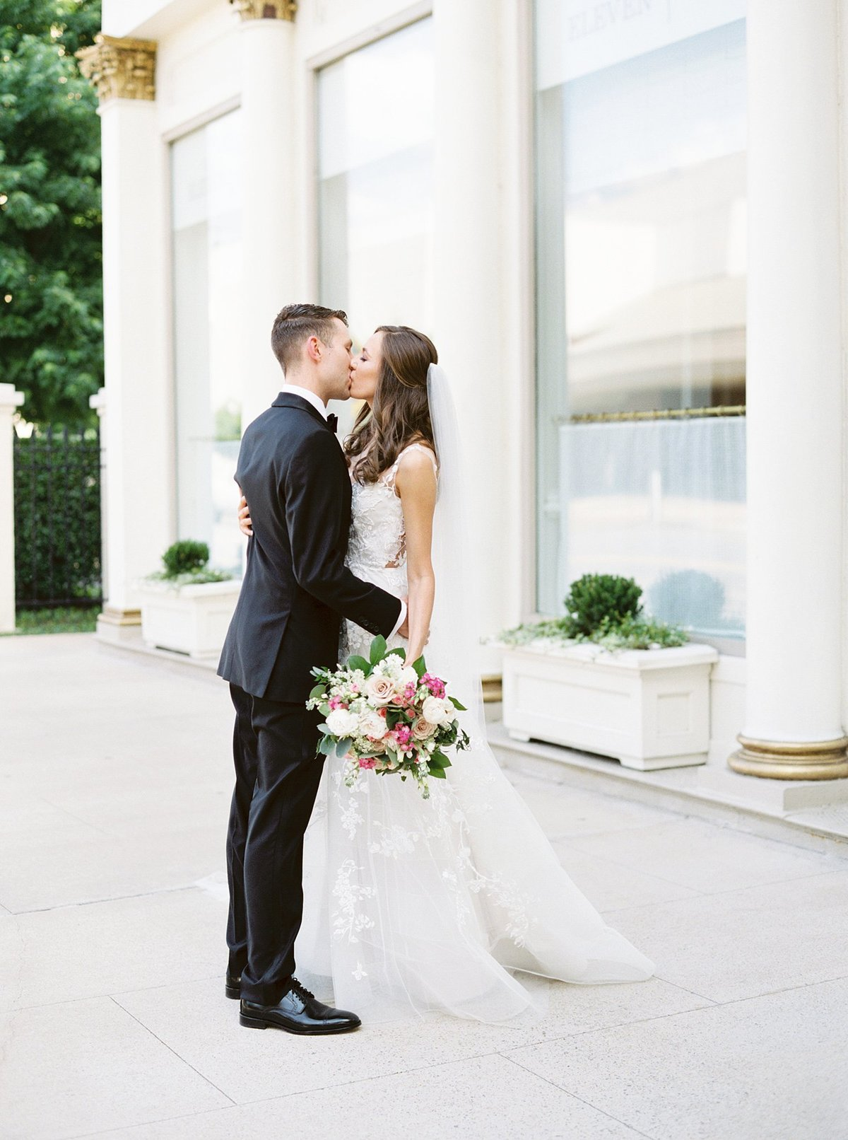 capital-hotel-little-rock-wedding-katimallory056