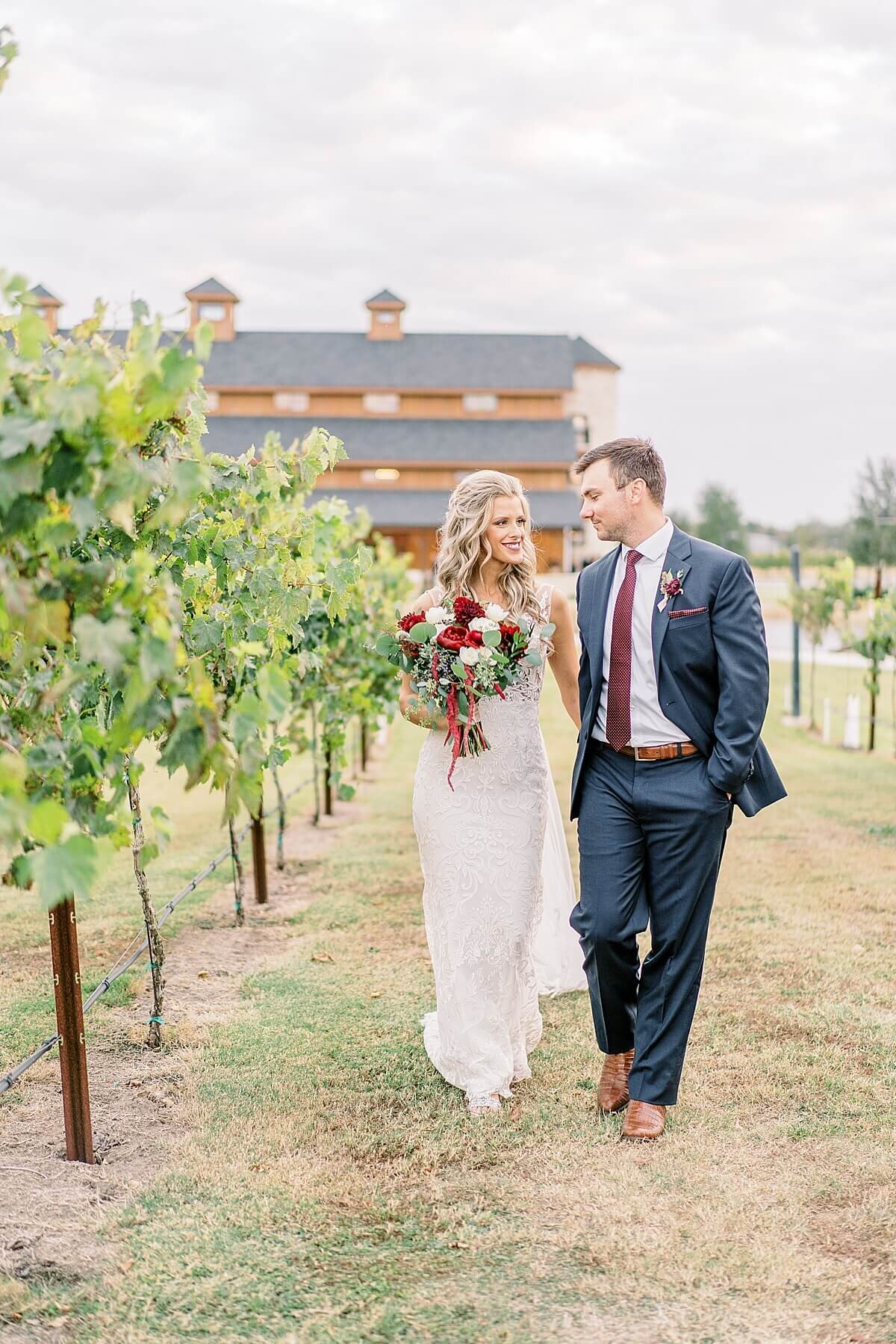 Weinberg-at-Wixon-Valley-Wedding-College-Station-Photographer-Alicia-Yarrish-Photography_0136