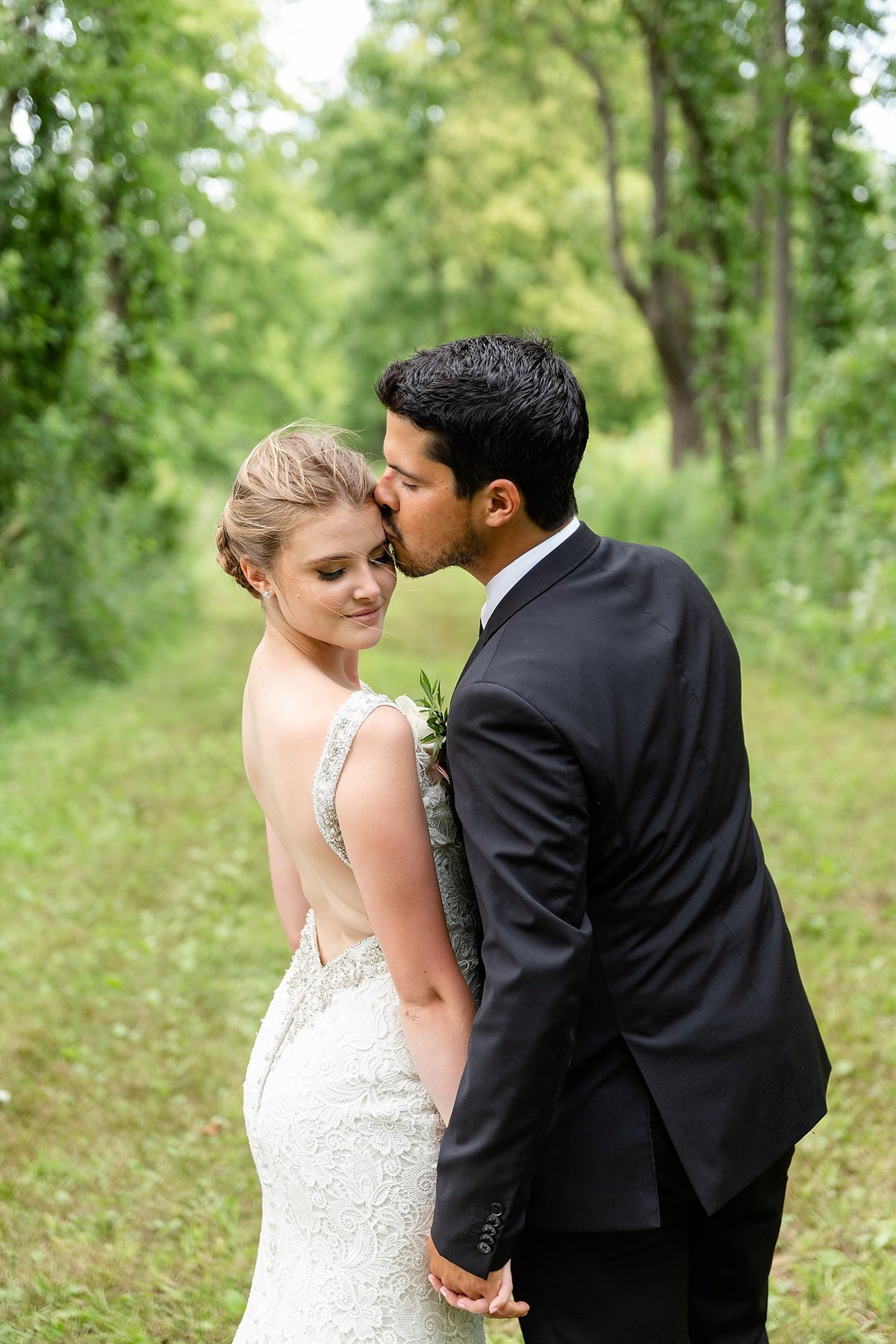 Southwestern Ontario Summer Farm Wedding | Dylan and Sandra Photography 194